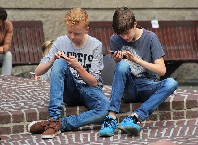 子供のスマホ依存チェック方法!何時間使ってると中毒?iPhoneで使用時間を調べる方法