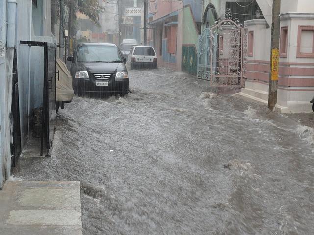 大雨で断水になる理由・洪水の時こそ水の確保が大切
